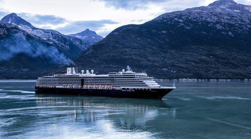 cruise-ship-alaska