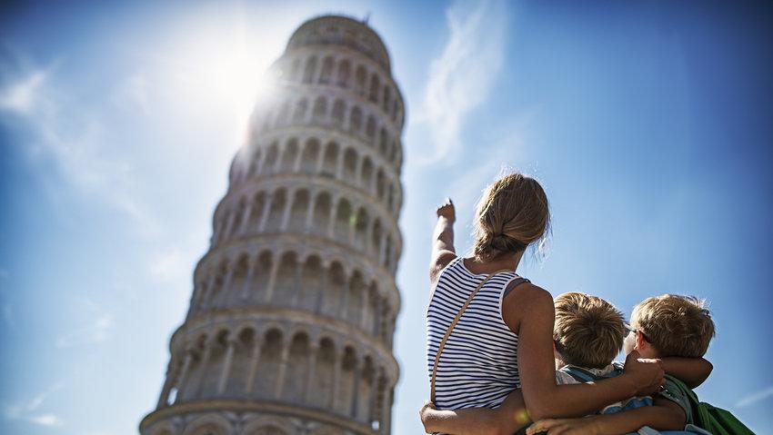 kids sightseeing Pisa