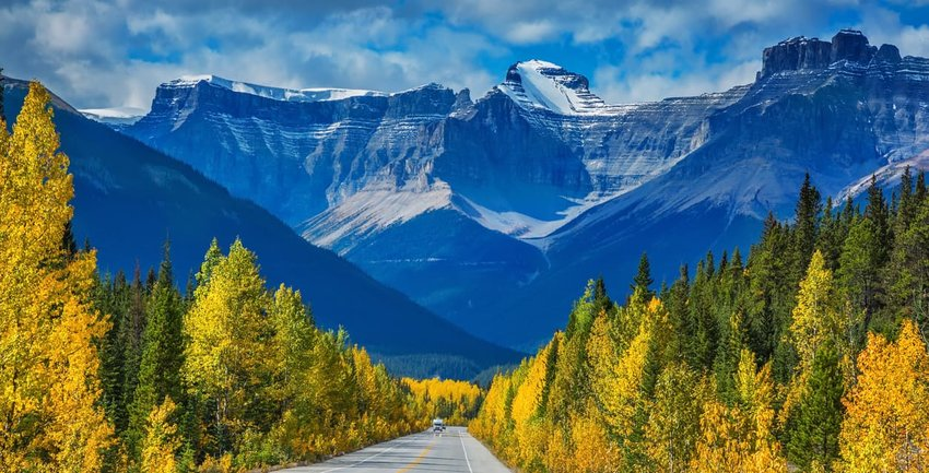 5 Incredible Canada Road Trips Everyone Will Love