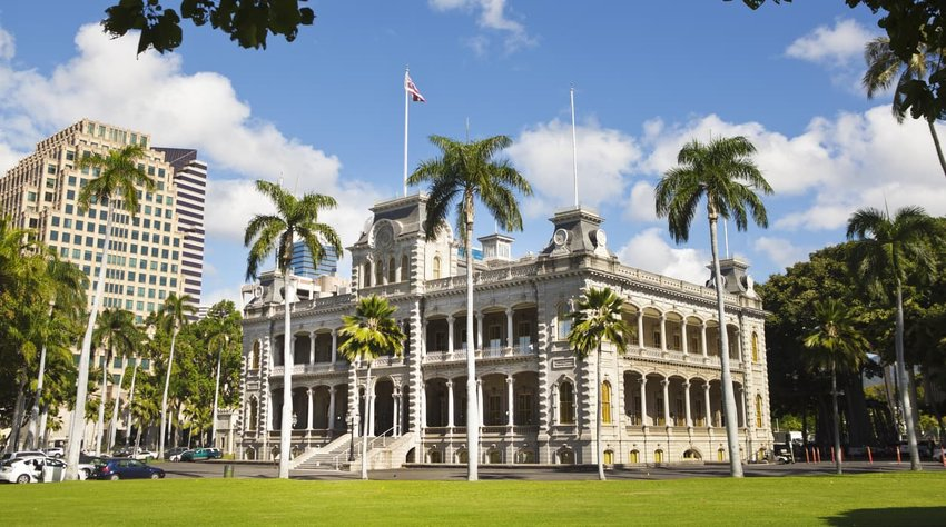 Iolani Palace at night in Hawaii