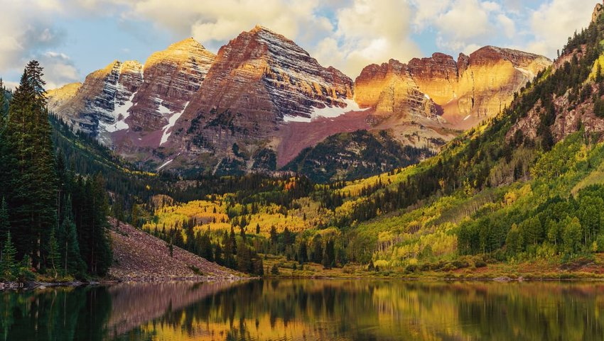 maroon bells at sunrise, Aspen, Colorado