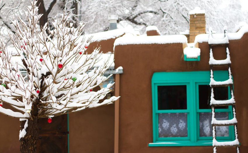 Santa Fe/Southwest Style: Old Adobe House in Snow