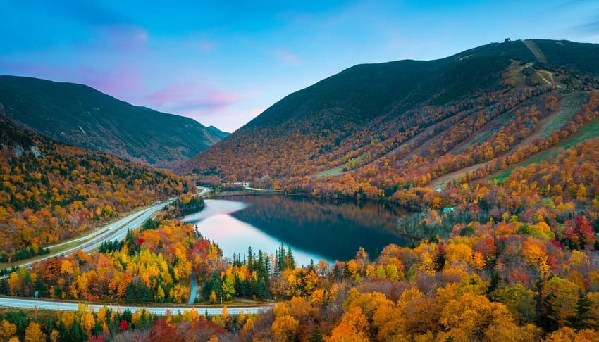 Fall colors in Franconia Notch State Park, White Mountain National Forest, New Hampshire, USA