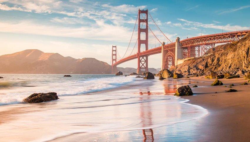 Golden-Gate-bridge-at-sunset