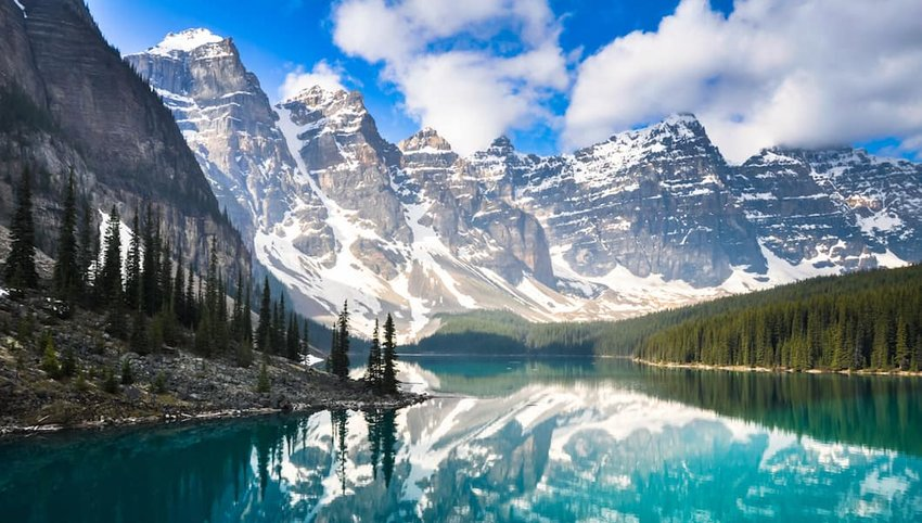 Moraine-Lake-in-Banff-National-Park