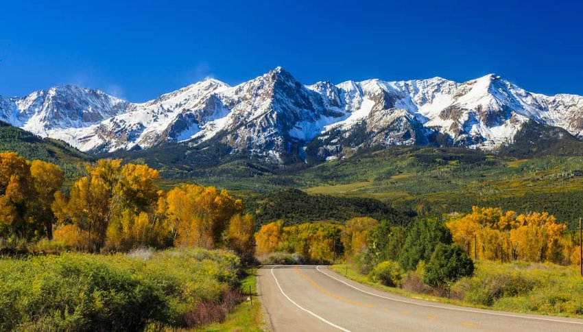 Road-in-Aspen-Colorado