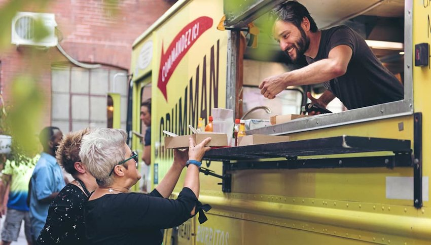 food-trucks-serving-customers