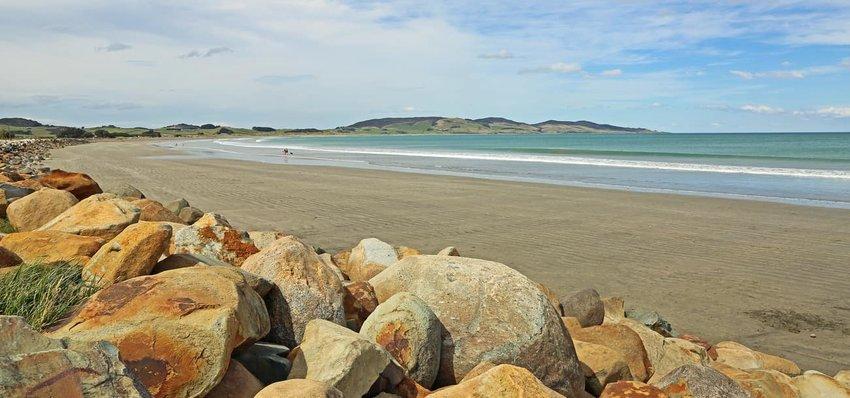 Colac Bay beach