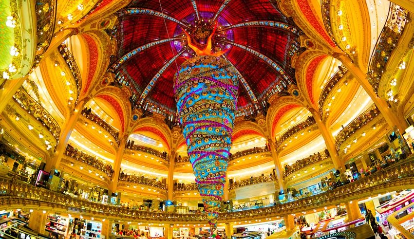 unique upside-down Christmas tree at Galeries Lafayette