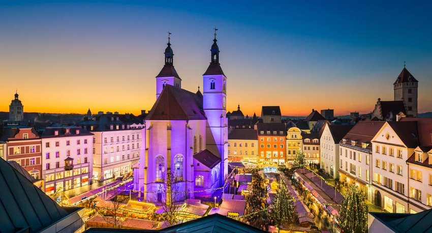 Christmas market in the Old Town of Regensburg, Germany
