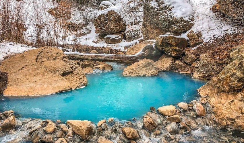 7 Must-See Hot Springs in the U.S.