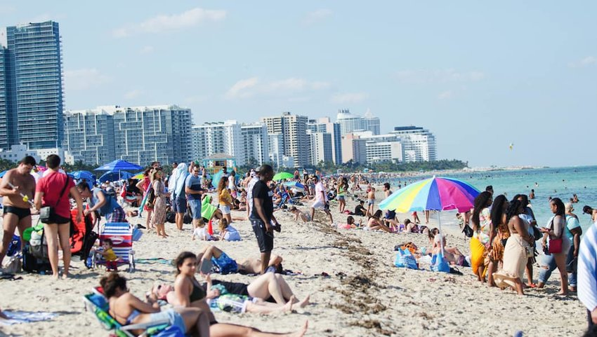 South-Beach-Miami-Summer-Crowd