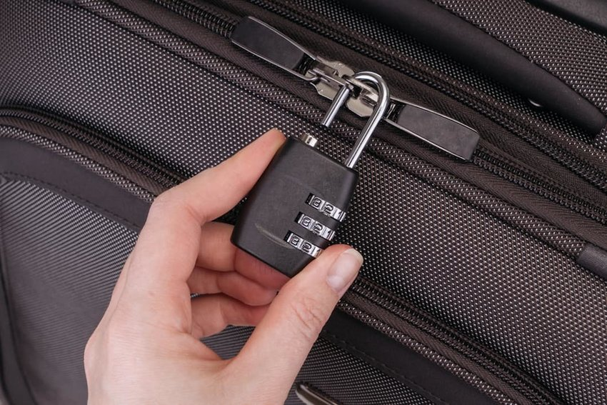 5 Ingenious Products Designed to Thwart Pickpockets