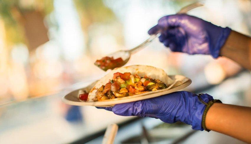 preparing-tacos