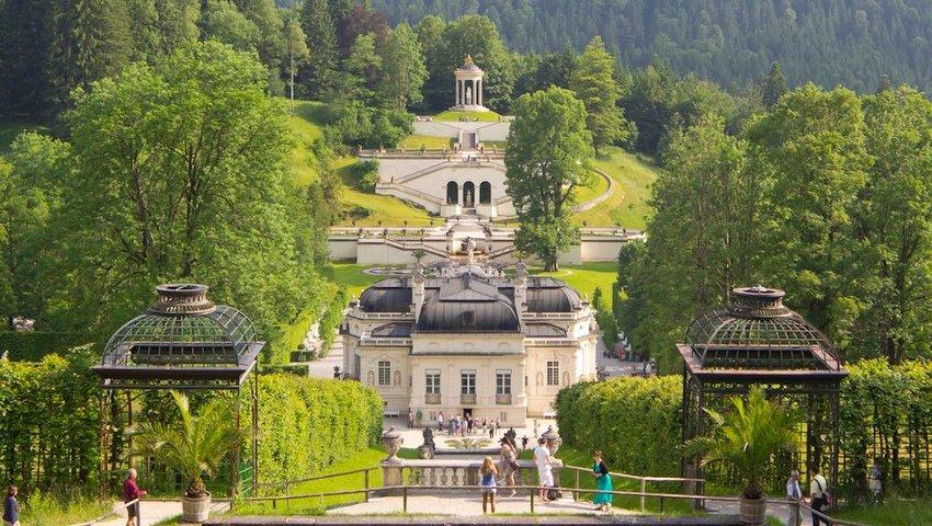 5 European Tourist Traps to Avoid - And Where to Go Instead