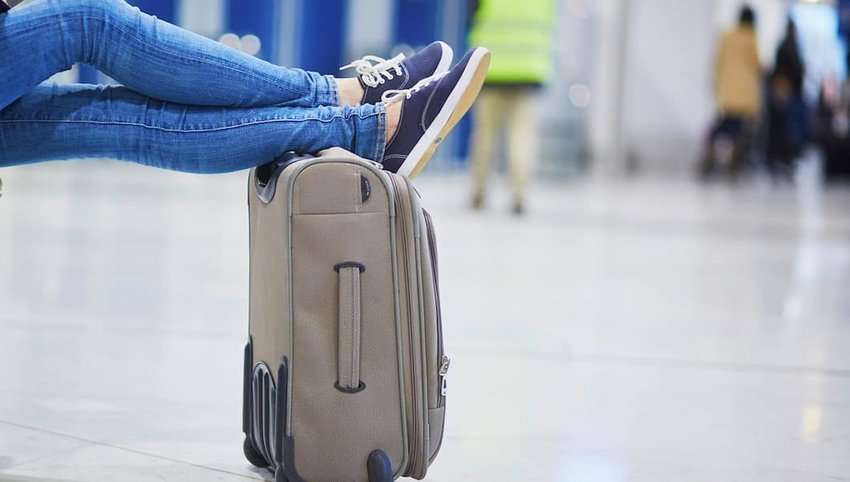 10 Things That Should Be In Everyone's Carry-On