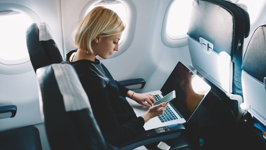 Our Favorite Travel Gadgets for In-Flight Productivity