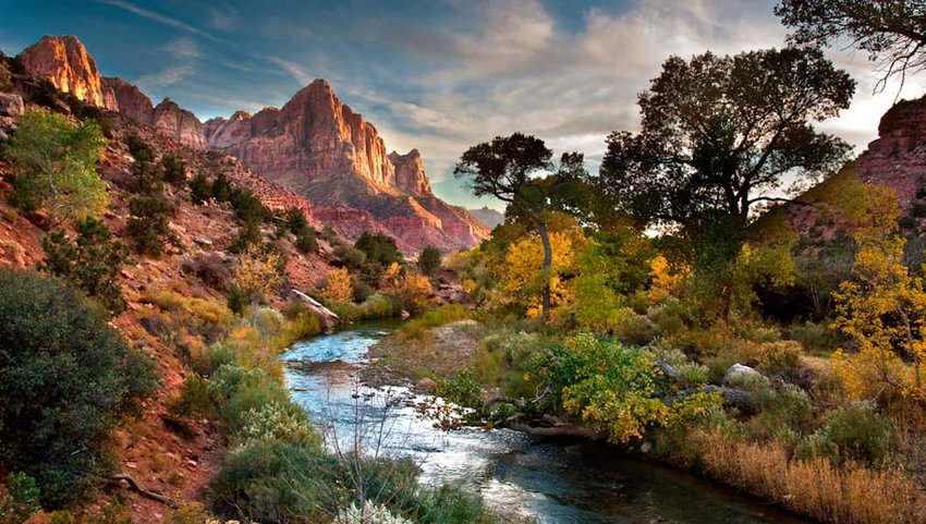 Photo of a river and mountains in Zion National Park