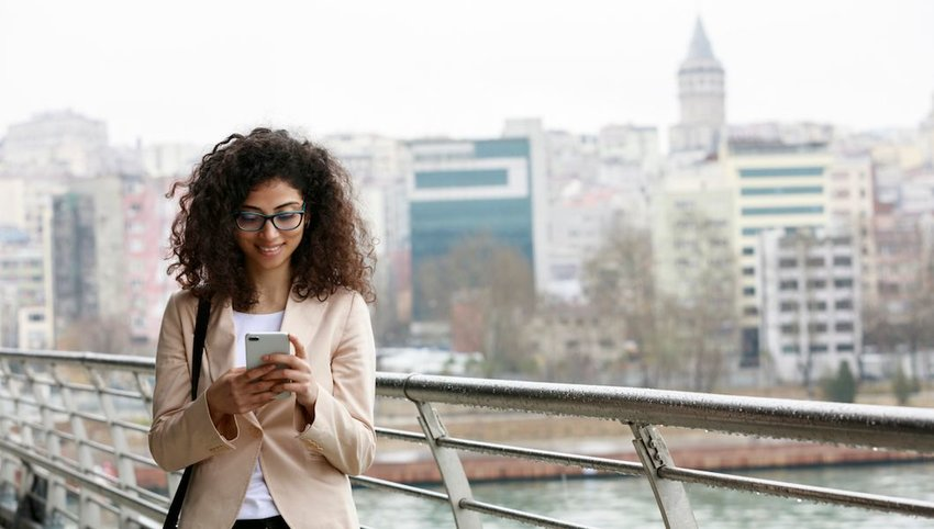 8 Travel Apps to Download Before Your Next Trip