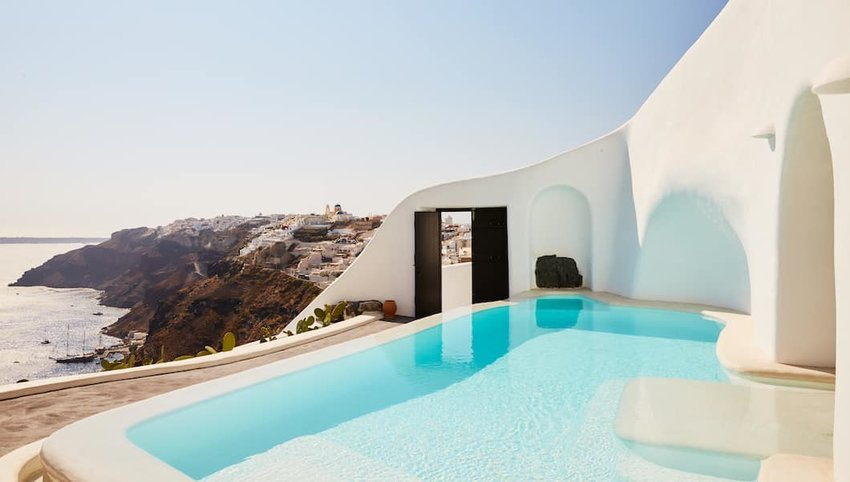 5 Most Luxurious Hotels in the Greek Isles