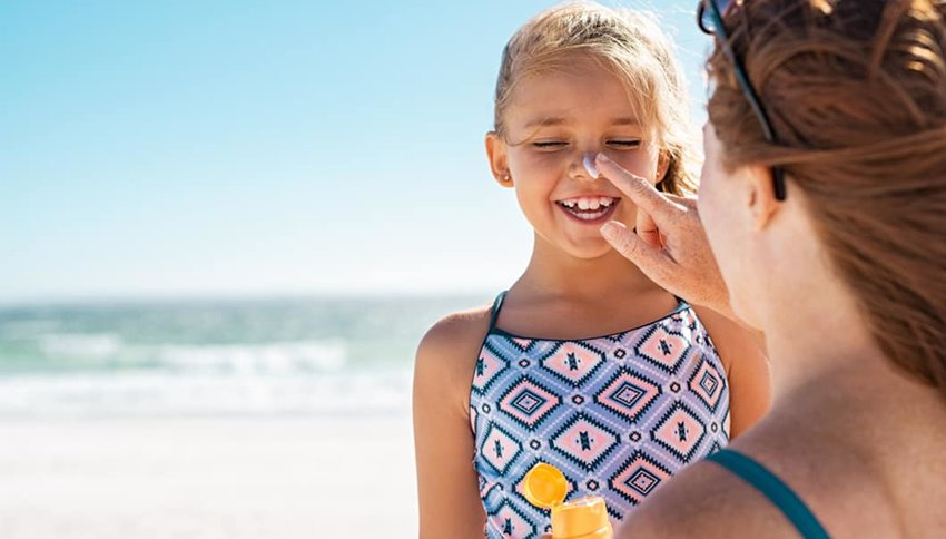 5 Environmentally-Friendly Sunscreens to Pack for the Beach