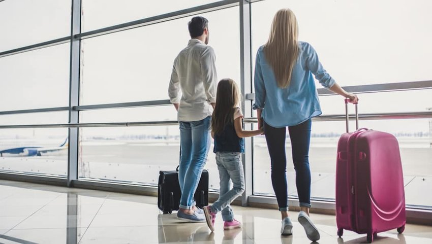 8 Tips to Survive Traveling With Family This Summer