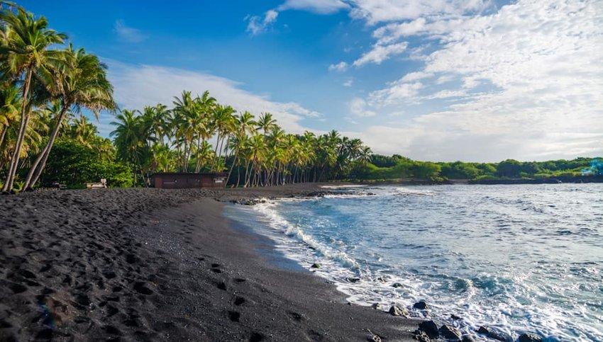 10 Stunning Volcanic Beaches Around the World