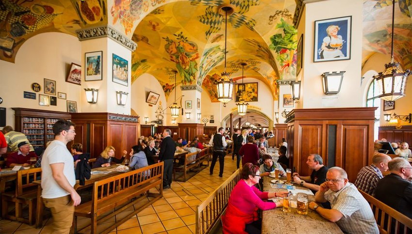 Crowded Hofbräuhaus in Munich