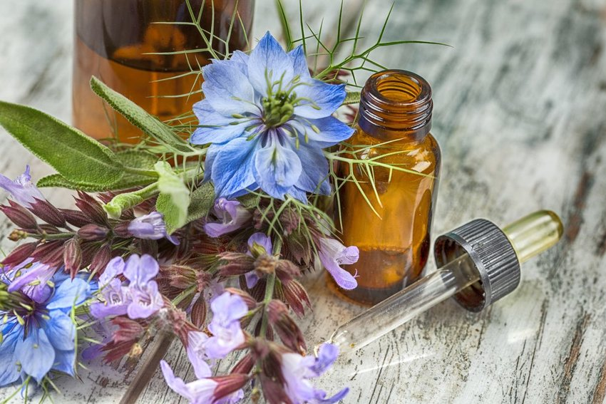 Essential oils and flowers