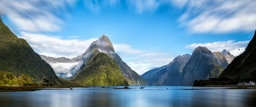 Milford Sound in Fiordland National Park, South Island of New Zealand