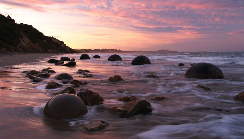 Moeraki boulders during sunset