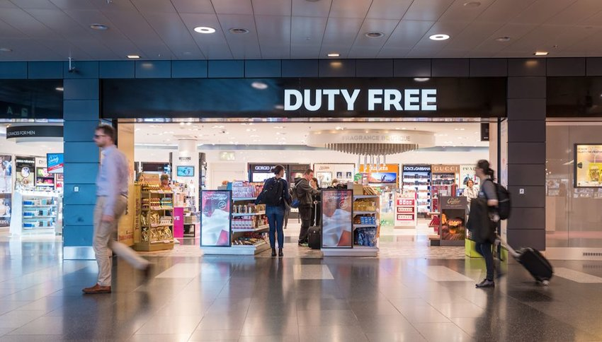 5 Things You Should Buy at the Airport