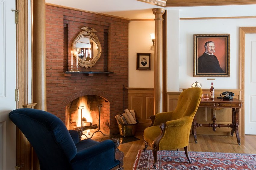 6 Cozy Inns to Check Into This Fall
