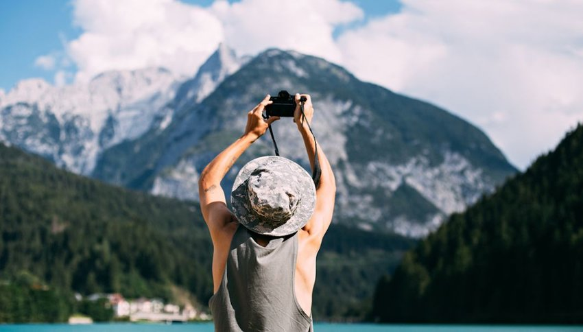Improve Your Travel Photos With This Packing List