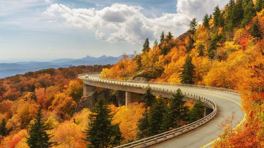 Curving blue ridge parkway in autumn