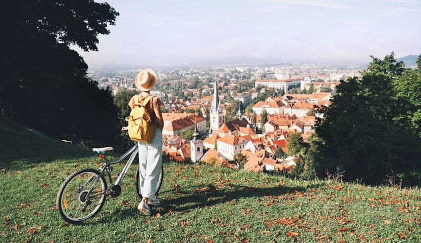 25 Ways You Can Be a Better Traveler in 2020