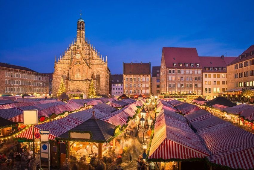 9 Destinations with the Most Christmas Spirit