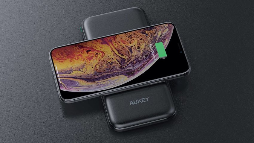 Aukey Qi Battery Pack