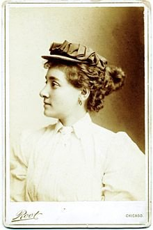 Annie Londonderry, shown in the 1890s