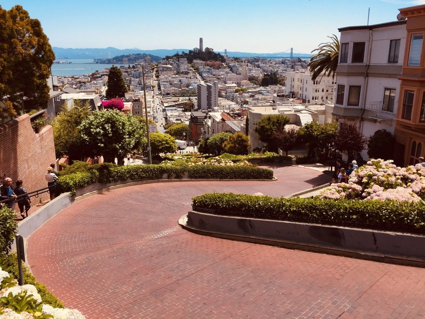 I Never Left My Heart in San Francisco: How Old Memories Influence New Travels