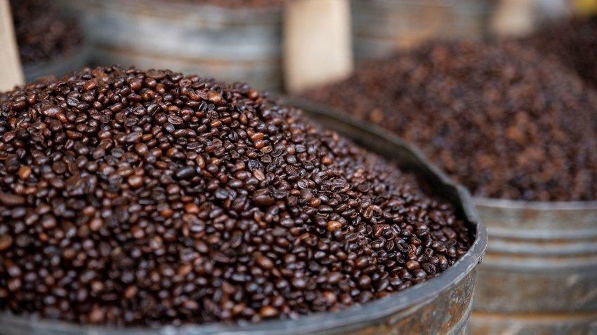 How Coffee & Tea Became My Favorite Souvenir Around the World