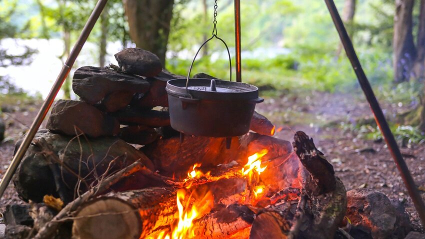 6 Delicious Campfire Meals to Make Outdoors