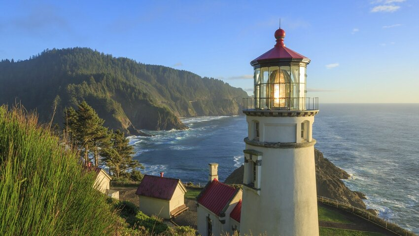 The 7 Most Picturesque Lighthouse Accommodations In the U.S.
