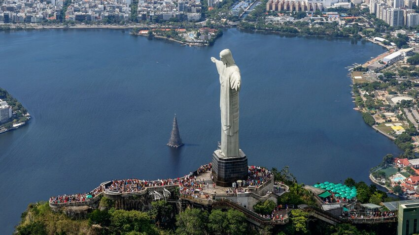 The World's Most Spectacular Viewpoints and Lookouts